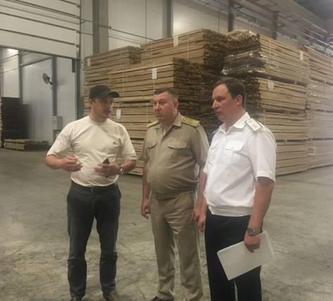 Володимир Бондар на Житомирщині ознайомився з роботою деревообробних підприємств та державних лісгоспів