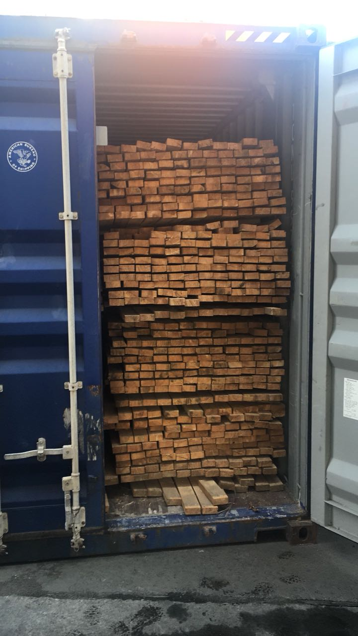 В Одеському порту виявлено контейнер з незадекларованими пиломатеріалами