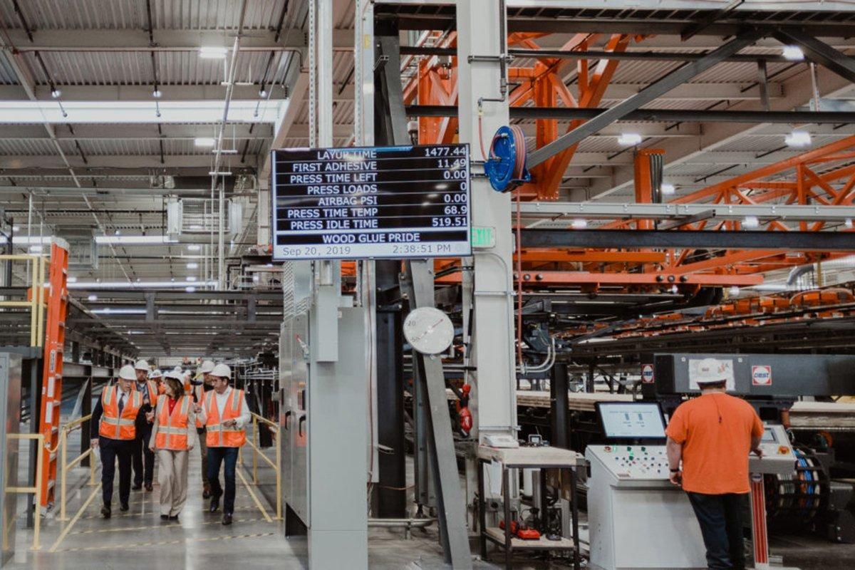 Компания Katerra открывает крупнейший завод по производству клееного бруса в Северной Америке