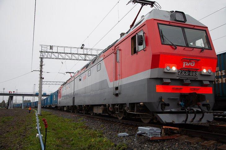 Из Уфы в Китай отправился поезд с крупной партией ОСП плит
