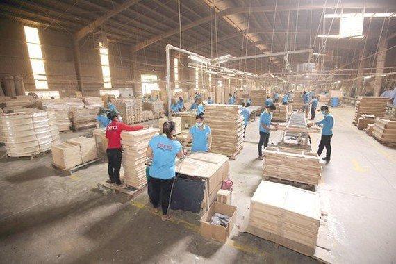 Деревообрабатывающая промышленность Вьетнама борется за предотвращение торгового мошенничества, так как в стране бум инвестиций из Китая
