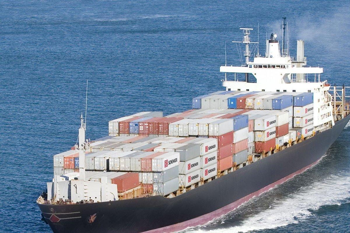 Индонезийская лесная и мебельная промышленность стремится использовать в своих интересах торговую войну между США и Китаем