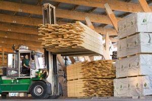Спад в шведской лесной промышленности по мере развития рецессии в Европе