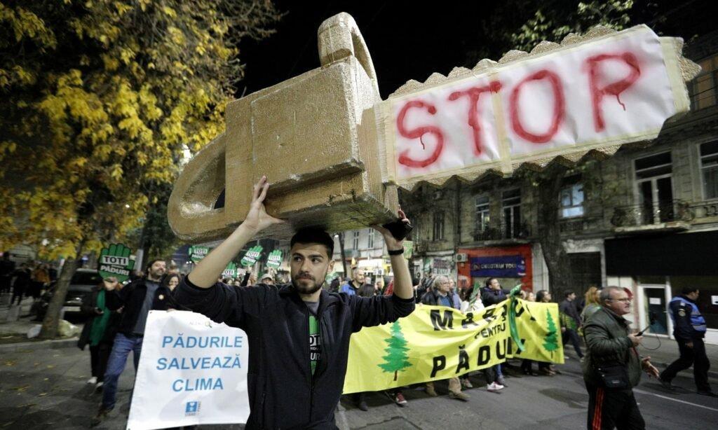 Акція протесту в Бухаресті проти незаконних рубок