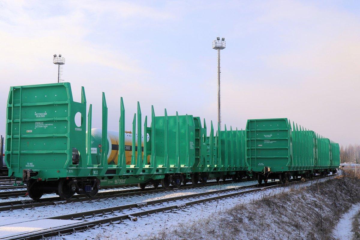 В парк ООО «Архбум» поступит новая партия платформ для перевозки леса