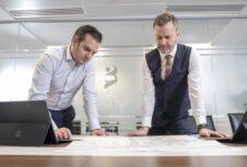 Британские девелоперы жилья прекращают использование многослойных древесных плит для жилых домов