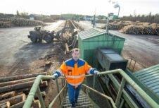 Крупной эстонской лесопилке угрожает нехватка материалов