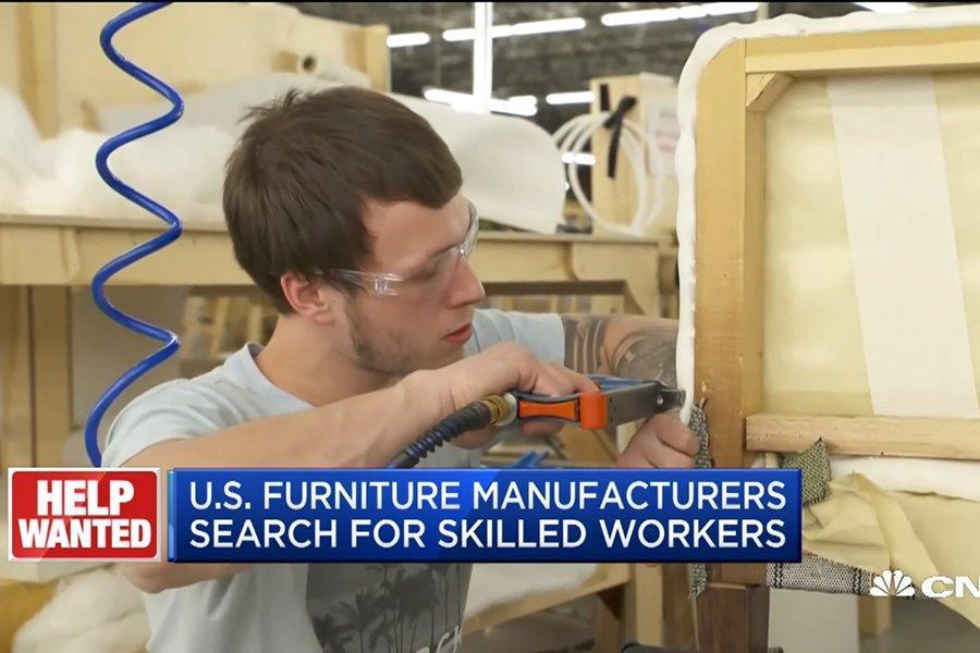 Производители мебели предвидят бум в отрасли и объединяются, чтобы найти рабочих для удовлетворения спроса