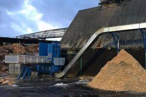 На лесопильном заводе Moelven в Швеции введен в эксплуатацию измельчитель древесных отходов