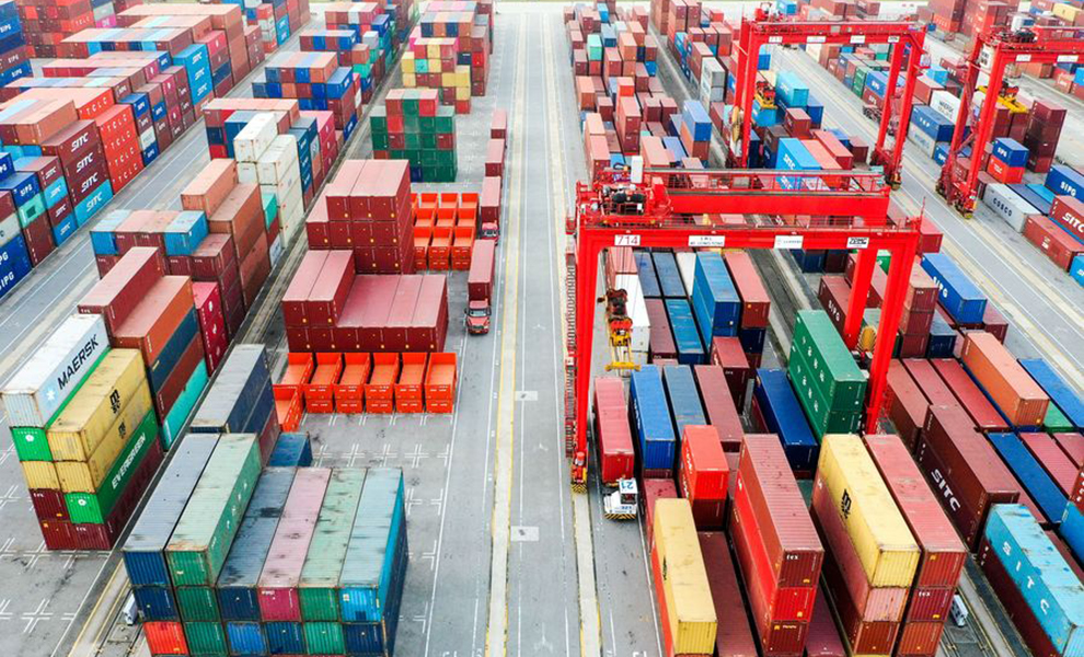 Коронавирус: Китай надеется оживить торговлю, сократив портовые сборы