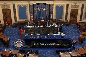 Коронавирус: Сенат США одобрил пакет финансовой помощи в 2,2 триллиона долларов