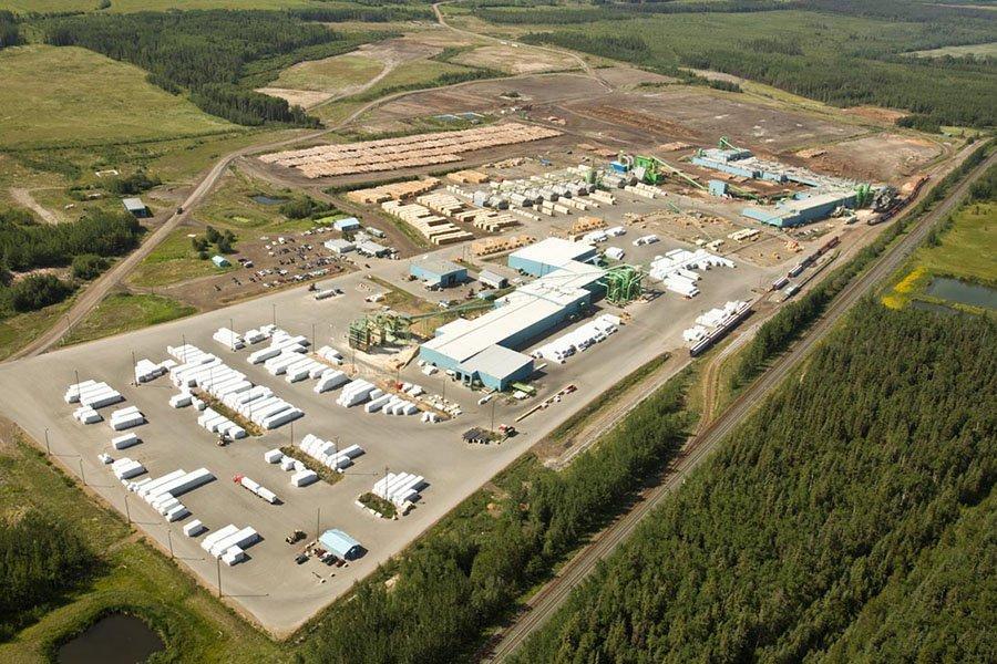 Read more about the article Американские гиганты деревообрабатывающей промышленности заявляют о сокращении производства в ответ на коронавирус
