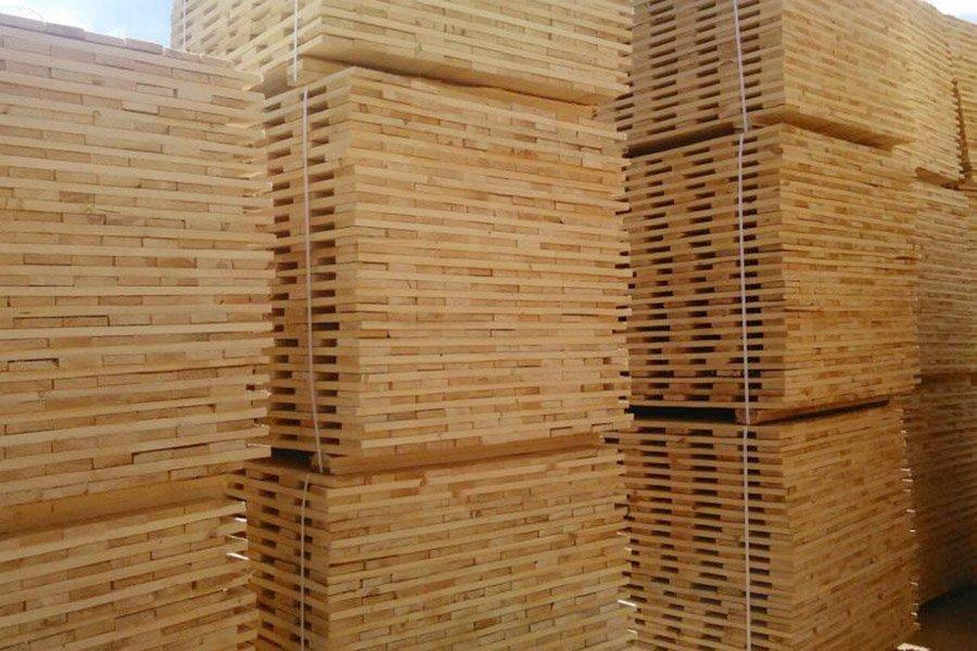 Экспорт строительных пиломатериалов и пиловочника в Италию остановился