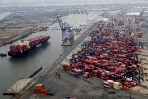 ВТО заявляет, что пандемия оставит глубокий спад в памяти нынешнего поколения, вызовет «уродливый» спад торговли