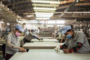 Экономика Китая сокращается впервые за 28 лет