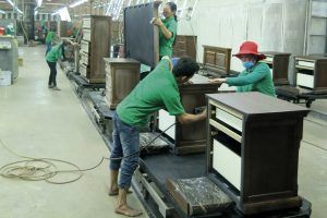 Вьетнамские деревообрабатывающие компании сокращают или приостанавливают деятельность