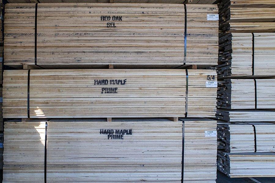 Экспорт пиломатериалов лиственных пород США снизился на 10% к марту