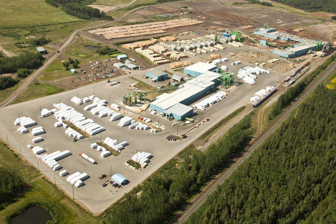 Canfor планирует открыть 2 лесопильных завода в Британской Колумбии