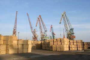 Экспорт лесоматериалов и бревен из России в 1 кв. 2020 г. сократился