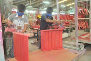 Деревообрабатывающие предприятия нуждаются в помощи для преодоления трудностей