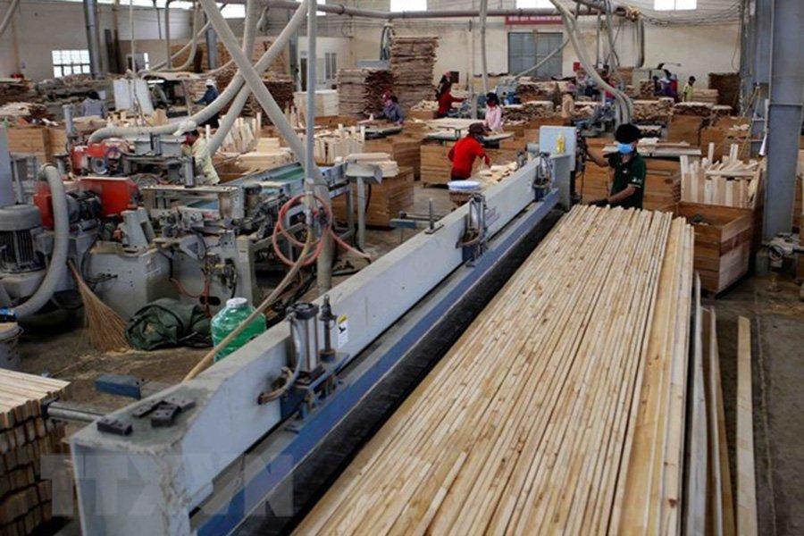 Экспорт древесины растет благодаря активности бизнеса