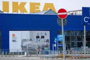 IKEA в мае начнет открывать магазины в Европе; за время карантина продажи упали на 60%
