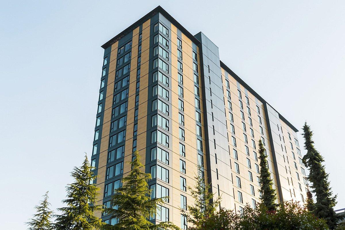 You are currently viewing Британская Колумбия надеется осуществить строительство массивных деревянных зданий по всей провинции