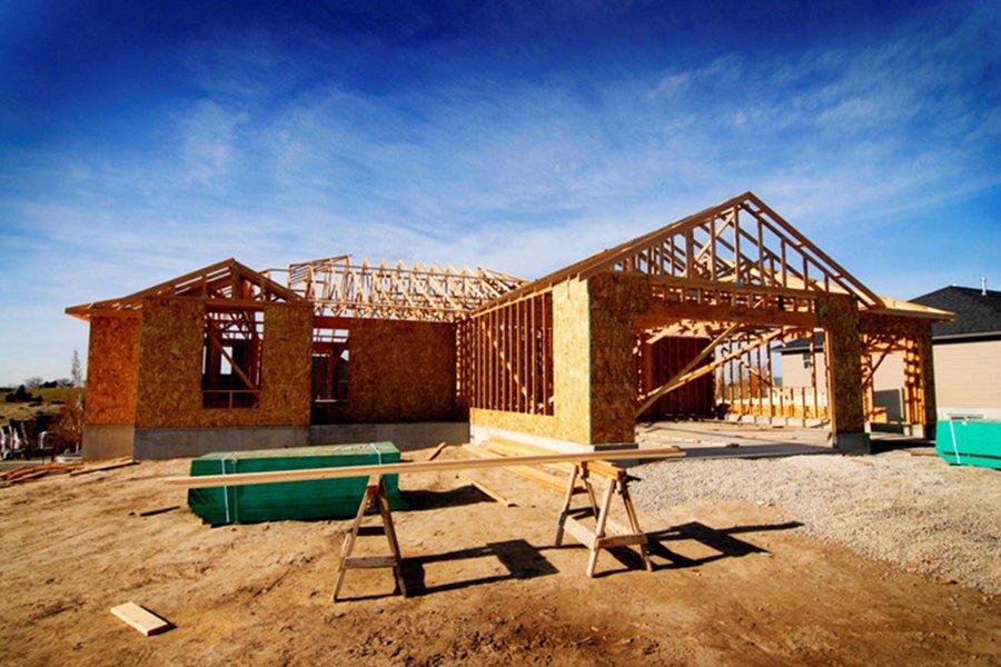 Строительство жилья начинает восстанавливаться с 17,3%