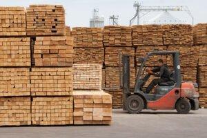 В январе-мае 2020 г. Украина сократила экспорт древесины и изделий из нее на 13,7%