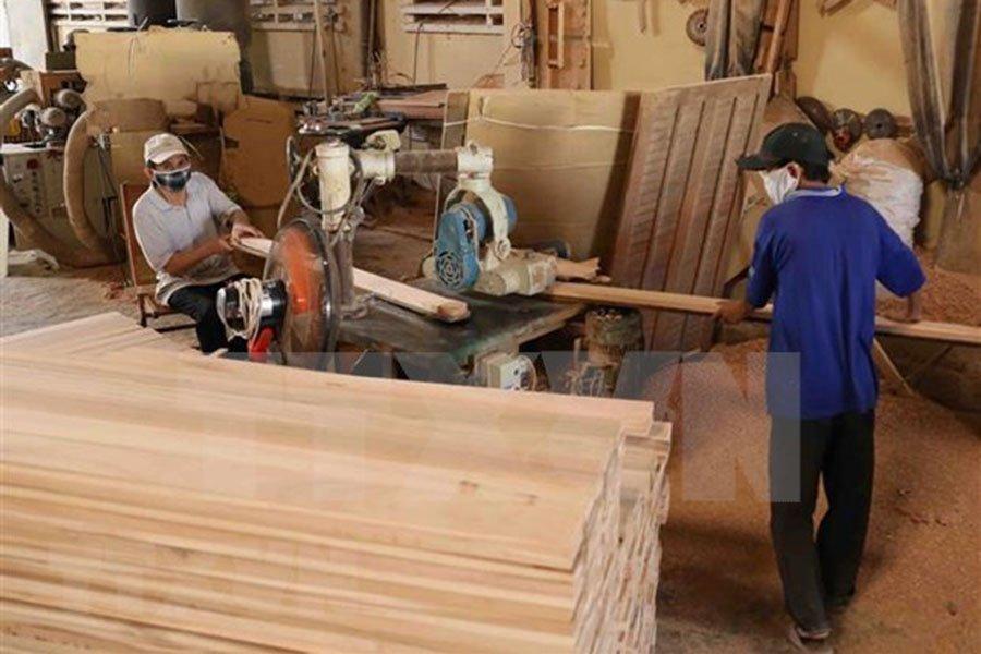 You are currently viewing За шесть месяцев экспорт лесной продукции достиг 5,3 миллиарда долларов