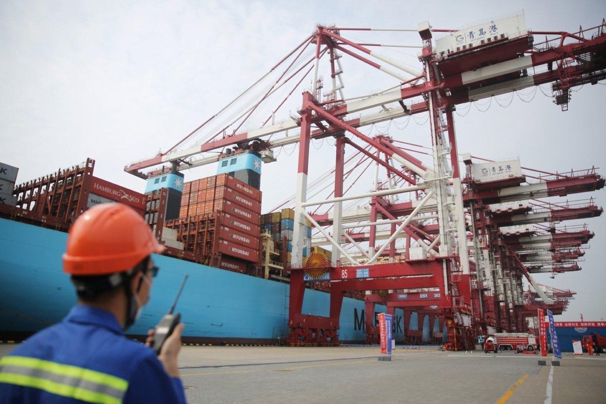 Вице-премьер и официальные лица США продолжат работу над торговой сделкой