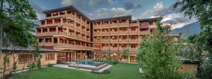 Первый в мире многоэтажный отель из дерева