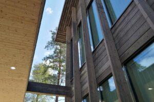 Почитайте о  крупнейшей деревянной школе в Финляндии: строительство из древесины становится одним из трендов развития государственного сектора экономики
