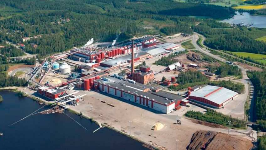 UPM демонтирует две бумажные фабрики
