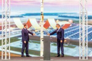 В СЭЗ «Науйойи-Акмене» официально открылся завод VMG.