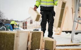 Деревянные стеновые элементы с встроенной изоляцией  экономят время, деньги и тепло в Швеции