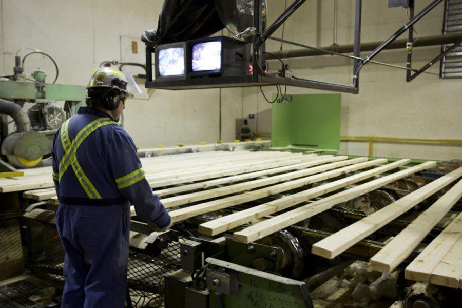 Canfor получает прибыль на волне резкого роста цен на пиломатериалы