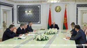Экспорт, зарплаты и важнейшие инвестпроекты — Александр Лукашенко собрал совещание по развитию деревообработки