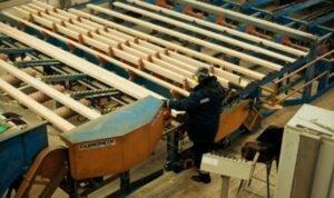 В Україні знизився продаж сирої деревини, але зросла деревообробка