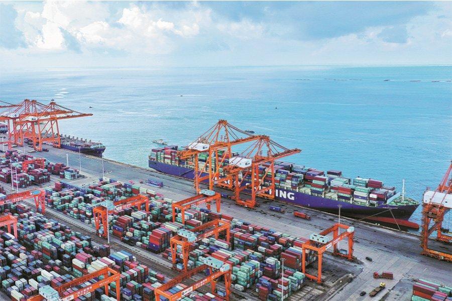 Китай уверенно восстанавливает мировой торговый поток