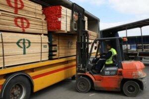 Увеличенные сроки доставки пиломатериалов хвойных пород в Великобританию