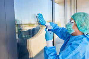 Коронавирус не любит деревянные поверхности — больничную гигиену можно улучшить, используя больше дерева