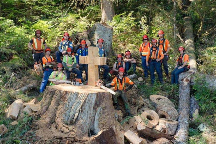 Повышение уровня игры: сторонники ручной валки леса Британской Колумбии за улучшение обучения