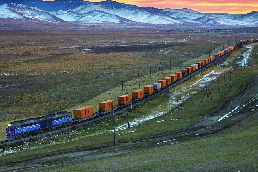 You are currently viewing Количество грузовых поездов Китай-Европа продолжают расти в Центральном Китае