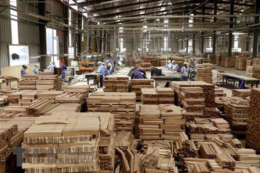 You are currently viewing Экспорт Вьетнама лесных товаров резко вырос за первые 2 месяца этого года; зарегистрировано только 4 новых случая Covid-19