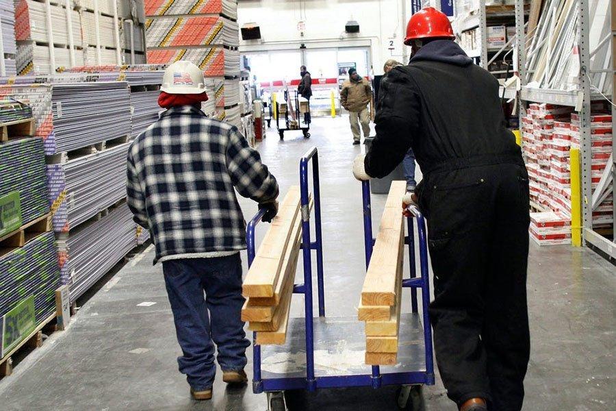 Резкий рост цен на пиломатериалы значительно увеличил стоимость жилья в США