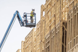 Рост цен на пиломатериалы в США на 24 000 долларов увеличил расценки на новое жилье