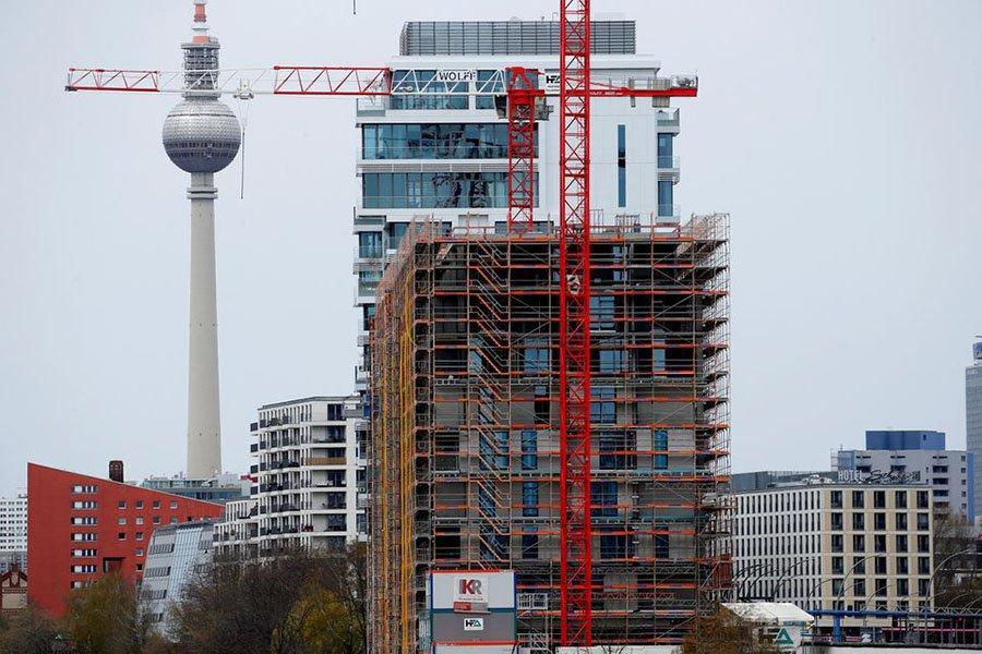 Read more about the article Узкие места в лесозаготовках приводят к остановкам строительства в Германии