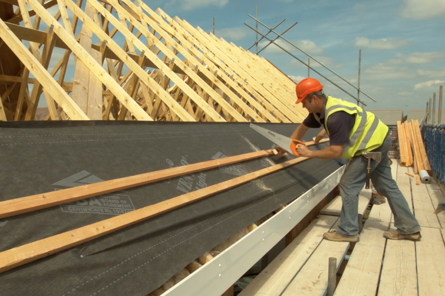 Read more about the article Глобальный дефицит пиломатериалов создает давление на цепочку поставок в жилищном строительстве