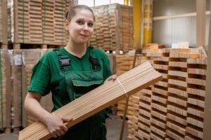 Read more about the article Сколько можно заработать на деревообработке